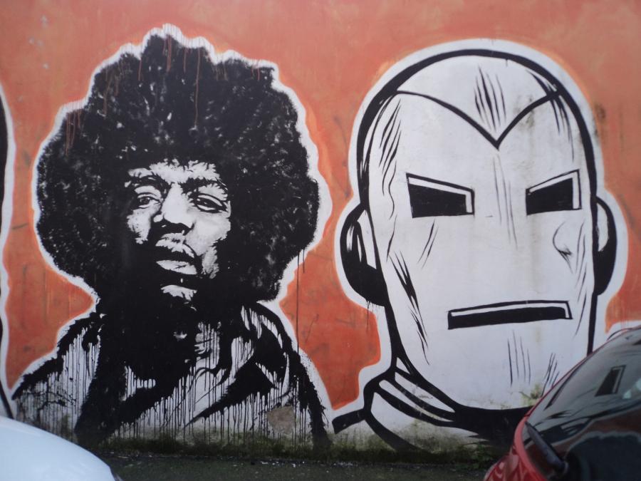 Graffiti_nel_quartiere_Ostiense_46